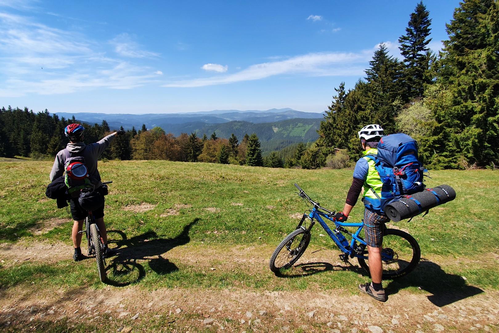 Výhled na údolí Velkých Karlovic